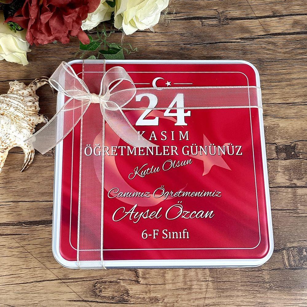Öğretmenler Günü Çikolatası Türk Bayraklı Metal Kutuda 32 Adet Madlen Çikolata