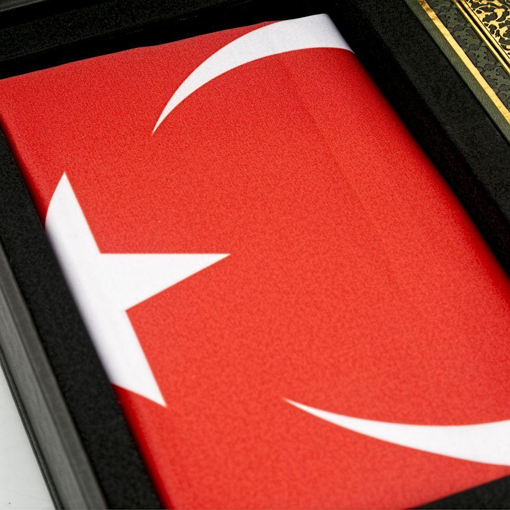 Şehit Ailesi-Türk Bayrağı- Kuran Kerim - (Fiyat Teklifi İsteyiniz.)