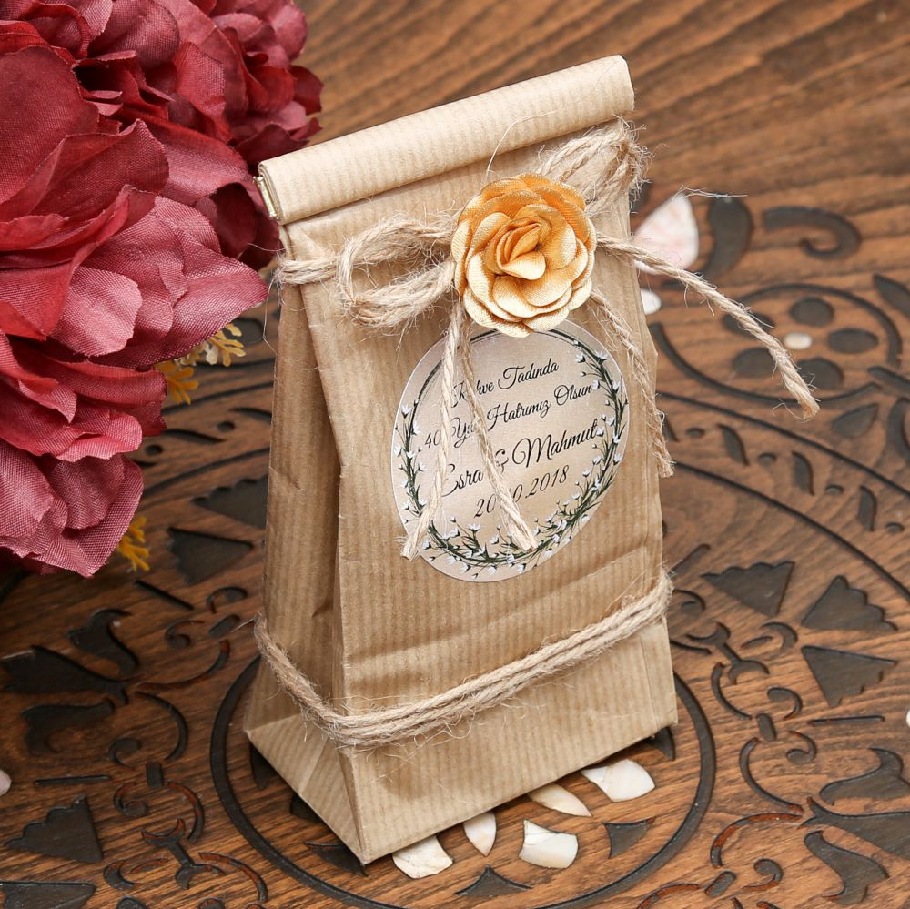 <span>İsme Özel 40 Yıl Hatırası Var Kahvesi Özel Ambalajlı</span>